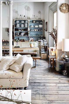 rustic living room - kitchen - italian apartment | photo Fabrizio Cicconi