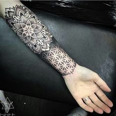 Dotwork Tattoo on arm - Samantha Berg - - Frauen arm tattoo - Dotwork Tattoo Mandala, Mandala Tattoo Sleeve, Geometric Sleeve Tattoo, Geometric Tattoo Design, Mandala Tattoo Design, Top Tattoos, Trendy Tattoos, Tattoos For Guys, Tattoo On