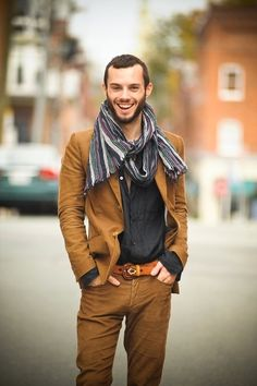 Autumn never looked so good in bronze brown over black and the striped scarf ties them all together.