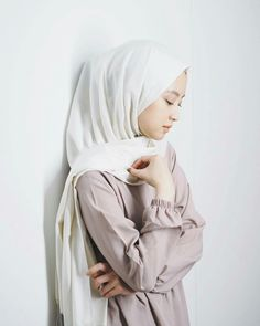 Casual Hijab Outfit, Ootd Hijab, Hijab Chic, Girl Hijab, Street Hijab Fashion, Muslim Fashion, Korean Fashion, Simple Ootd, Muslim Girls