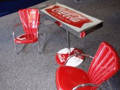 Vintage Coca Cola Table and Chairs Coca Cola Decor, Coca Cola Ad, Always Coca Cola, World Of Coca Cola, Vintage Coke, Vintage Signs, Best Soda, Coca Cola Kitchen, Poster S