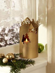 Oh Du schöne Vorweihnachtszeit! In Gold und Weiß lassen wir unsere Weihnachtliche Deko erstrahlen. LED-Leuchten sorgen für entspanntes und