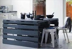 Pallet Kitchen Table for Your Dining Area Pallet Furniture Designs, Wooden Pallet Furniture, Pallet Designs, Wooden Pallets, Pallet Ideas, Wood Pallet Tables, Pallet Dining Table, Diy Table, Pallet Bench