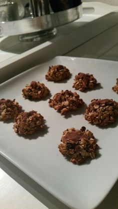 Lovely self made cookies made out of banana, muesli/cereal and a cacao topping! Simple as that!  #healthy #sunday #vegan #superfood