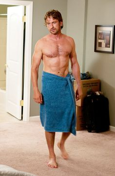 Gerard Butler shirtless