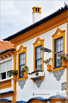 Portugal Travel Inspiration - Aveiro Portugal Love their style of buildings. Someday Ill see for myself! Visit Portugal, Spain And Portugal, Portugal Travel, Portuguese Culture, Portuguese Tiles, Algarve, The Places Youll Go, Places To Go, Fachada Colonial