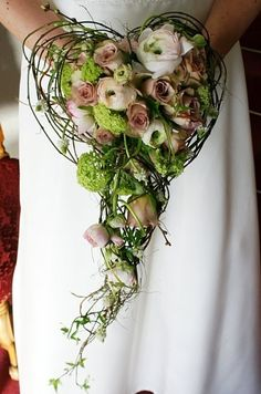 How stunning and different! Would you use this for your bouquet?
