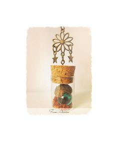 Peter Pan necklace, acorn necklace, glass vial pendant, terrarium necklace, bottle necklace, glass bottle pendant, autumn necklace, forest de FamDdaear en Etsy