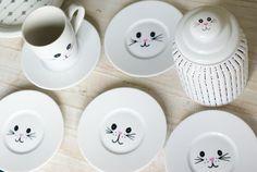 ...Sain Sinellistä testattavaksi posliinitussit ja kotoa löytyikin valkoisia astioita...