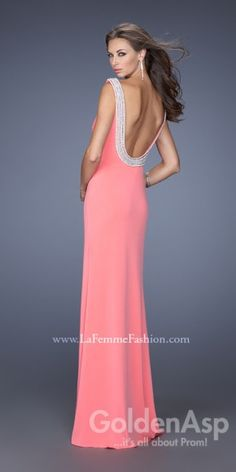 We Know you Love La Femme Dresses as Much as We Do! Find the Perfect La Femme Prom or Homecoming Dress of Your Dreams Today at Peaches Boutique Short Semi Formal Dresses, Open Back Prom Dresses, Formal Gowns, Homecoming Dresses, Stunning Prom Dresses, Beautiful Gowns, Elegant Dresses, Pretty Dresses, Dresser