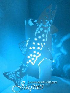 luminária  em pvc Peixe, criada com cano de 100mm e com 30 cm de altura