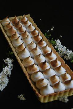 Celebration Treats 4U: Raparperi-marenki piirakka Treats, Desserts, Food, Sweet Like Candy, Tailgate Desserts, Goodies, Deserts, Essen, Postres