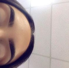 girl hair eyes make up lips fashion style accessories brows Eyebrows Goals, Eyebrows On Fleek, Makeup On Fleek, Flawless Makeup, Eyebrow Game, Eyebrow Makeup, Skin Makeup, Eyeliner, Eye Brows