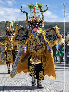 Diablo del carnaval de Oruro, Bolivia South American Art, Native American, Inca Art, Archaeology For Kids, Arte Tribal, Festivals Around The World, Venetian Masks, Masks Art, Arte Popular