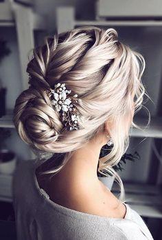 30 elegante Hochzeitsfrisuren für sanfte Bräute #Bräute #elegante #für #Hochzeitsfrisuren #sanfte
