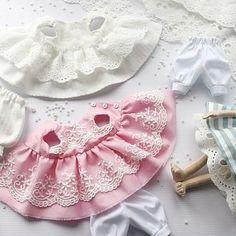 Доброго дня всем! Покажу немного своего рабочего процесса...скоро будут новые малышки. #текстильнаякукла #интерьернаякукла #кукларучнойработы #куклавподарок #кукла #одеждадлякукол #ручнаяработа #кукларучнойработы #куклаизткани #рукоделие #шьюкукол #шьюсама #hendmade #doll #lovestory#идея