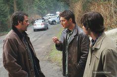 Supernatural - Publicity still of Jensen Ackles, Jared Padalecki & Jeffrey Dean Morgan