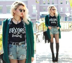 Brujos Merch Brujos Brewing Shirt, Style Moi Distressed Shorts, Oasap Green Cardigan, Celebrity Fashion Lookbook Fringe Bag, Missguided Bronhilda Extremem Platform Boots, Aliexpress Flannel Plaid Button Up