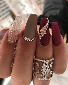 Diamond Nails, Gold Nails, Matte Nails, Gold Glitter, Diy Nails, Lilac Nails, Glitter Art, Manicure And Pedicure, Birthday Nail Art