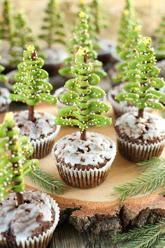 Babeczki z choinkami z paluszków Mini Cupcakes, Tart, Food And Drink, Sweets, Cookies, Christmas, Recipes, Image, Kitchen