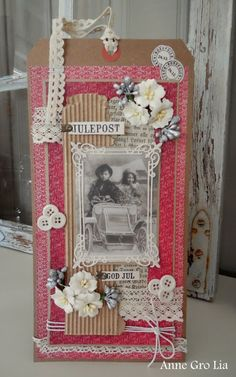 min lille scrappe-verden: Julekort på stor tag (DT for Scrappiness) Photo Wall Hanging, Love Tag, Art Journal Techniques, Photo Boards, I Card, Vintage Photos, Gift Tags, Cardmaking, Shabby Chic