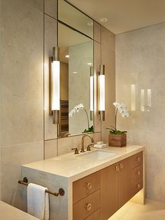 firm-nb-design-group-product-crema-marfil-photo-benjamin-benschneiderotto - The world's most private search engine Cream Bathroom, Condo Bathroom, Modern Bathroom, Small Bathroom, Bathroom Marble, Bathroom Faucets, Bathroom Cabinets, Luxury Master Bathrooms, Amazing Bathrooms
