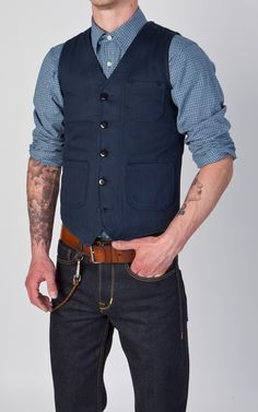 Another great vest + bluejeans combo.