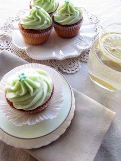 my button cake: elderflower cupcakes