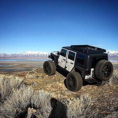 @jonnyfiction . . ------------------------------ #jeep #jeeplife #jeepporn #badass #jeepgirl #jeepnation #lifted #4x4 #offroad #jeepthing #jeepfamily #jeepfreaks #squat #flex #jeeppage #jeeps #jeepflow #sema #rubican #jeepin #merica #flex #stance #jeepers #big #rig #offroading by offroad.co