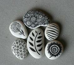 piedras para un camino en la jardinera
