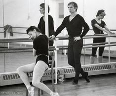 Nureyev and Fonteyn during studio rehearsal for 'Romeo and Juliet', 1965 - Merle Park reflected in the mirror