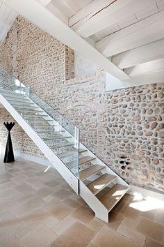 foorni.pl | Renowacja willi we Włoszech, szklana balustrada