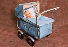 československé hračky - Hľadať Googlom Baby Doll Furniture, Prams And Pushchairs, Dolls Prams, Baby Prams, Baby Carriage, Old Dolls, Love Pictures, Baby Dolls, Baby Strollers