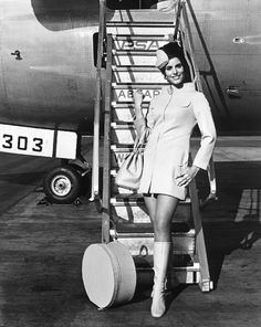 Classic Flight Attendant – Interesting Snapshots of Stewardesses Posing with Airplanes in the Past