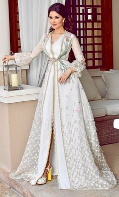 95ac4945df07b Caftan 2018 - Robes Marocaines de Luxe Glamour   Raffinement