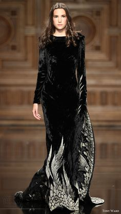 Tony Ward Fall Winter 2016 Couture Collection - Share The Looks Haute Couture Style, Couture Mode, Couture Fashion, Runway Fashion, Womens Fashion, Fall Fashion, Fashion Beauty, Beautiful Gowns, Beautiful Outfits