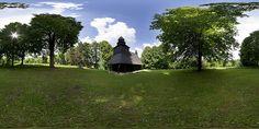 Panoráma Drevený chrám, Drevený kostol Prenesenia ostatkov sv. Mikuláša, Ruská Bystrá, Slovensko.