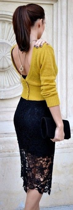 Understated sexy. ~ 60 Great Winter Outfits On The Street - Style Estate - #FashionEstate