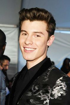 Shawn at #iHeartAwards His smile