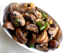 We are the in weekend-refrigerator cleaning mode and I had a big box of mushrooms that we had bought from Costco. When not in the mood to make anything elaborate I always fall back on my trusted wo...