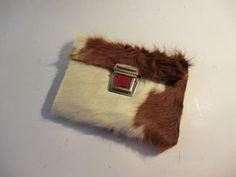 Portemonnaies - KUHIE, Geldbeutel aus braun-weißem Kuhfell - ein Designerstück von gmischtesach bei DaWanda