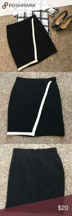Black and White J Crew Skirt! Black and white J Crew skirt with diagonal front. In excellent used condition! 21 inches in length, 16 inch waist J. Crew Skirts Mini