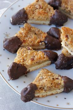 Afternoon Tea: Waiting for Christmas # Bredele with hazelnuts and chocolate - Vinni Gorry Christmas Biscuits, Cupcake Frosting, Confectionery, Cookie Bars, Blondies, Afternoon Tea, Coco, Cake Recipes, French Toast