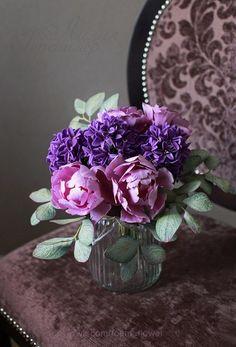 Гиацинты, пионовидные тюльпаны и листья эвкалипта из фоамирана. Больше цветов на сайте ЦВЕТЫ-ФОАМИРАН.РФ