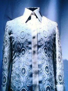 Photo: a barong tagalog of ferdinand marcos on display in marcos museum in batac, ilocos norte. note the fine embroidery details . and the collar ; Barong Tagalog, Ilocos, Tribal Costume, Ferdinand, Jeans Dress, Filipino, Daily Inspiration, Well Dressed, Museum