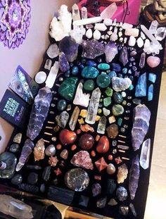 10 ) doğal taş ve mum koleksiyonu.