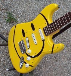 I want this even I can't play a guitar!