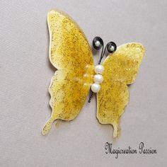 Papillon 3D décoration soie et transparent jaune cm Transparent, Decoration, Brooch, Support, Dimensions, 3d, Boutique, Jewelry, Beads