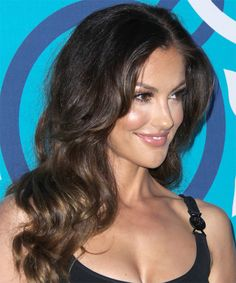 View yourself with this Minka Kelly Long Wavy Hairstyle Formal Hairstyles, Straight Hairstyles, Minka Kelly Hair, Layers And Bangs, Large Curls, Long Faces, Long Wavy Hair, Beautiful Smile, About Hair