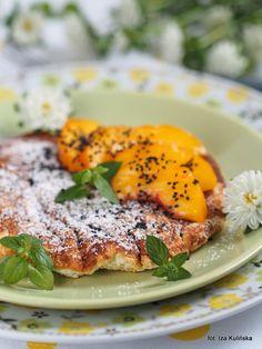 Smaczna Pyza: Omlet z białek i płatków owsianych, z owocami Salmon Burgers, Risotto, Gluten, Breakfast, Ethnic Recipes, Food, Morning Coffee, Essen, Meals